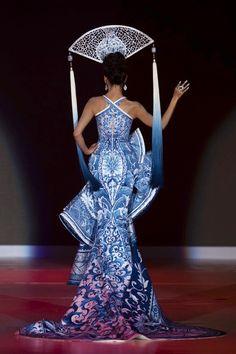 Delft blue dress up