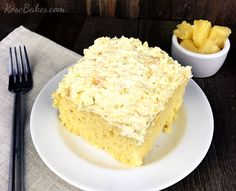 ((( My own note added on thanksgiving.I used 2 cans oz each) crushed ))) Connie Sugar-Free Pineapple Lush Cake. This is a yummy recipe for a sugar-free dessert that's easy to make and has only a few ingredients! Perfect for diabetics! Diabetic Desserts, Sugar Free Desserts, Diabetic Recipes, Dessert Recipes, Diabetic Foods, Desserts For Diabetics, Yummy Recipes, Diabetic Cookies, Ww Desserts