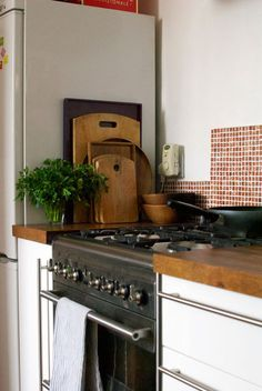 3 Clever Tips AND Tricks: Unique Backsplash Diy beadboard backsplash posts.Backsplash Diy Moldings how to install subway tile backsplash.Subway Tile Backsplash Peel And Stick. Paint Backsplash, Backsplash With Dark Cabinets, Travertine Backsplash, Stainless Backsplash, Beadboard Backsplash, Herringbone Backsplash, Rustic Backsplash, Backsplash Ideas, White Cabinets