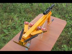 [VIDEO] See How Pines, Pulleys And Springs Make A Very Powerful Hunting And Survival Weapon! - Page 2 of 2 - Diy Grabber