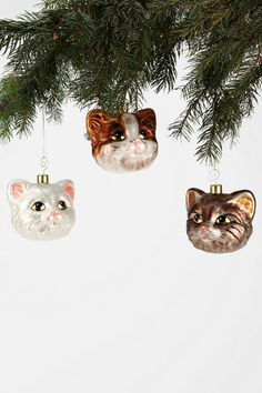 Cat-Head Ornament...I want these!  :)