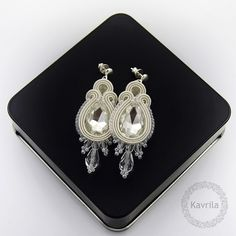 Licira crystal soutache - kolczyki ślubne sutasz KAVRILA #sutasz #kolczyki #ślubne #rękodzieło #soutache #handmade #earrings #wedding #ivory #kavrila