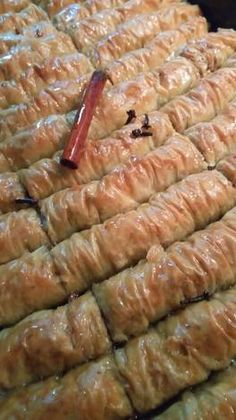 Cookbook Recipes, Cooking Recipes, Asparagus, Istanbul, Sausage, Sweet Tooth, Food And Drink, Meat, Vegetables