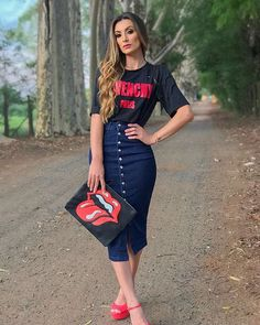 New Fashion Edgy Classy Jeans Ideas Older Women Fashion, Latest Fashion For Women, Teen Fashion, Korean Fashion, Fashion Outfits, Womens Fashion, Hipster Outfits, Muslim Fashion, Edgy Style