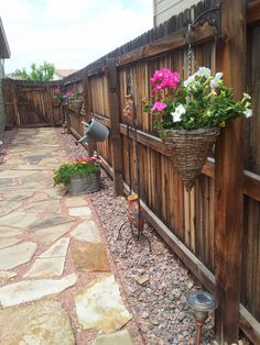 Decorating Ideas for Patio Fences – The Patio is the perfect place for the family to relax and unwind after a long day. ideas for small yards √ 27 The Best Decorating Ideas for Patio Fences in 2019 - Trumtin Patio Fence, Backyard Privacy, Backyard Fences, Farm Fence, Fence Planters, Fenced In Backyard Ideas, Front Fence, Fence Art, Backyard Designs