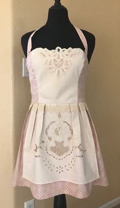 Vintage lace and tablecloth Apron. I love making aprons and seeing how they turn out-Kimgardner #kimsewcrafty