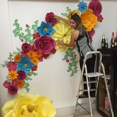 Suze reference for what we want for flower wall Large Paper Flowers, Paper Flower Wall, Paper Flower Backdrop, Giant Paper Flowers, Diy Flowers, Flower Decorations, Diy Paper, Paper Art, Paper Crafts