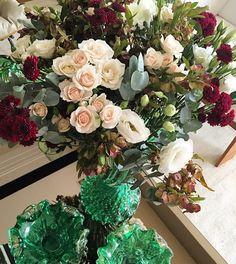 Bom dia! Flores lindas da @tetecastanha para alegrar a manhã! Obrigada!!!