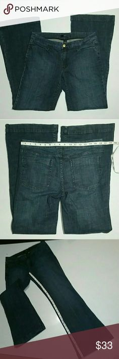 Noir size 12 Flare Jeans 33 inch inseam Beautiful jeans in great pre-owned condition. Mid to dark wash. (2-28) Noir Jeans Flare & Wide Leg