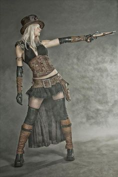Western steampunk, with a bit of wasteland! Western steampunk, with a bit of wasteland! Steampunk Couture, Viktorianischer Steampunk, Steampunk Kunst, Steampunk Cosplay, Steampunk Clothing, Steampunk Fashion Women, Steampunk Motorcycle, Gothic Fashion, Steam Punk
