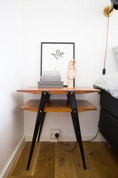 yöpöytä, tiikkiä, bedside table, nightstand, nattbord, sängbord, 50-luku, 50-luvun, 50s, midcentury, hay, hand, puinen käsi