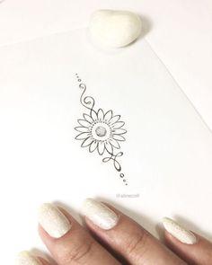 """2 curtidas, 1 comentários - TATTOO CREATOR ☾ ALINE (@alinecoill) no Instagram: """"Pequena e delicada ✨ #unalometattoo #unalome #goldtattoo #sunflower #sunflowertattoo…"""""""
