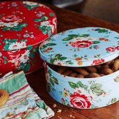 Kentish Rose Round Cake Tins | Cath Kidston