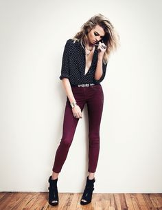 blouse and skinny jeans. maroon. polka dot shirt.