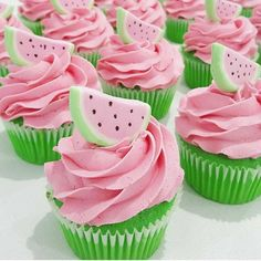 Wassermelonen Cupcakes akesvon @ delightful_cake_house🍉🍉🍉🍉🍉ð . Baby Shower Watermelon, Watermelon Birthday Parties, Fruit Party, Baby Birthday, First Birthday Parties, Birthday Party Themes, Birthday Ideas, Watermelon Shoes, Green Watermelon