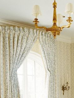 Bowed window treatment