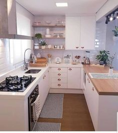 Green Kitchen: Designs, Models and Photos with Color! - Home Fashion Trend Kitchen Room Design, Home Room Design, Kitchen Sets, Modern Kitchen Design, Home Decor Kitchen, Interior Design Kitchen, Kitchen Furniture, Kitchen Cabinet Design, Home Kitchens