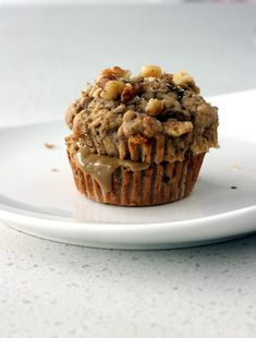 Delicious sugar-free Banana Muffins sweetened with dates, you won't even tell the difference. Sugar Free Desserts, Healthy Desserts, Dessert Recipes, Healthy Recipes, Raw Desserts, Healthy Treats, Healthy Baking, Diabetic Recipes, Dessert Ideas