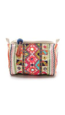 love this bright and cheery cosmetic bag Clutch Purse, Coin Purse, Diy Pochette, Boho Accessories, Boho Bags, Embroidered Bag, Hippie Chic, Cosmetic Bag, Fashion Bags