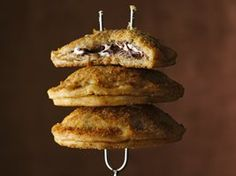 Mini S'mores Hand Pies Recipe from Betty Crocker....Pampered Chef cut n seal works be perfect for these! Www.pamperedchef.biz/tammyevans