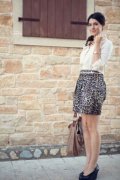 Love this outfit! As long as the skirt was less of a mini and more of a pencil.