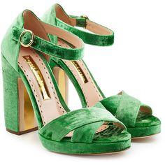 Rupert Sanderson Velvet Platform Sandals (9.495 ARS) ❤ liked on Polyvore featuring shoes, sandals, heels, green, scarpe, high platform shoes, heeled sandals, green shoes, velvet platform shoes and platform heel sandals
