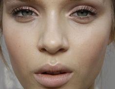 Makeup Trend: Clean Makeup Looks