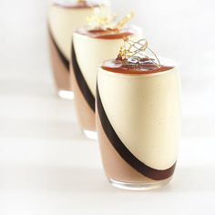Tahitensis glasses Vanille - Caramel - Chocolate milk (for 15 glasses) - Pastry . Tahitensis glasses Vanille - Caramel - Chocolate milk (for 15 glasses) - Pastry Recipe - CONDIFA This image has get Mini Desserts, Desserts In A Glass, Gourmet Desserts, Plated Desserts, Just Desserts, Dessert Recipes, Desserts Caramel, Cinnamon Desserts, Caramel Cheesecake