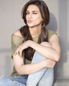 Kriti Sanon in a picture on #Instagram. #Bollywood #Fashion #Style #Beauty #Hot #Cute