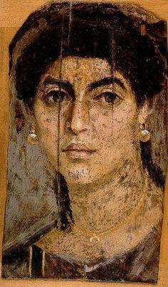 Ca 100 tot 300 na Chr., Fayum portretten, diverse musea in Europa en de Verenigde Staten. Mummieportretten die bij de sarcofagen van overwegend Grieken in Fayum, een toenmalige Egyptische provincie van Rome, werden geplaatst. De portretten werden tijdens het leven van de betreffende persoon geschilderd dmv pigmenten in hete bijenwas op houten panelen (Encaustiek) en zijn zeer realistisch. Romeinse Periode.