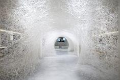 Memory of the ocean, installation de Chiharu Shiota au Bon Marché Rive Gauche, copyright Gabriel de la Chapelle (1)