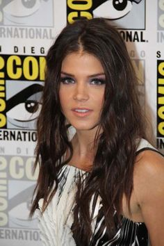 Marie Avgeropoulos Interview on The 100 Season 3 #marieavgeropoulos