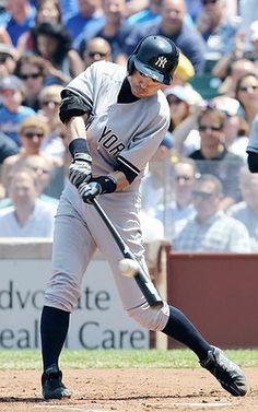 カブス戦の2回、安打を放つヤンキースのイチロー=21日、シカゴ ▼22May2014時事通信|イチロー2安打=青木も同点打など2安打-米大リーグ http://www.jiji.com/jc/zc?k=201405/2014052200132 #Ichiro_Suzuki #New_York_Yankees