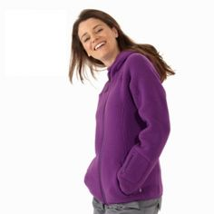 Details: Maximum warmth while hiking Sport Outfits, Hiking, Detail, Lady, Sports, Sweaters, How To Wear, Fashion, Walks