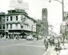 1960'S KING AND JAMES BEFORE JACKSON SQUARE. CAN SEE CITY HALL DOWN JAMES ST Dundas Ontario, Jackson Square, Hamilton Ontario, The Old Days, Old Pictures, Street View, Canada, Backyard, Memories