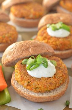 Buffalo Chickpea Sliders - These were amazing! I just ate the burgers on whole wheat buns with spinach leaves. Didn't bother with the blue cheese as I wanted it to be vegan. Vegan Foods, Vegan Vegetarian, Vegetarian Recipes, Healthy Recipes, Veggie Recipes, Whole Food Recipes, Cooking Recipes, Vegan Burgers, Chickpea Burger