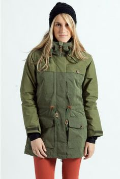 winter coat Warm Colors, Snowboard, Winter Coat, Military Jacket, Ski Clothes, Stylists, Chic, Powder Room