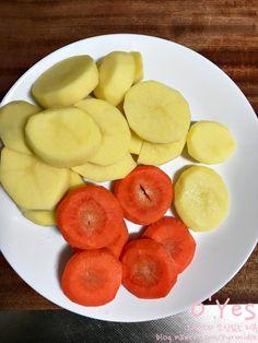 간장 돼지등뼈찜 황금레시피 :: 어마어마한 양이니 놀람주의 : 네이버 블로그 Plum, Fruit, Food, Essen, Yemek, Eten, Meals