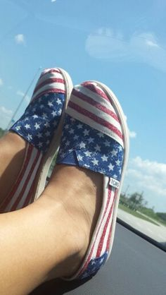 TOMS shoes. They are beautiful.Holy cow Some less than $16.99 I'm gonna love this site!#shoes #2015#Toms