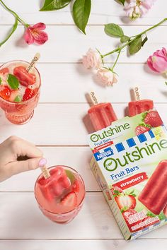 Wouldn't it be great if everything had just a little more strawberry? Oh wait, it does! Our Outshine Strawberry Fruit Bars are made with real strawberries so you can enjoy a snack you feel good about eating.