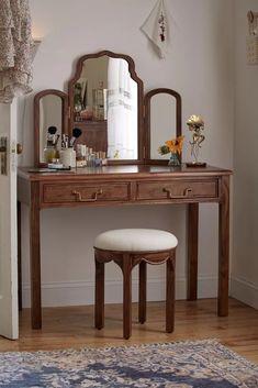 Rangement Makeup, Vanity Decor, Diy Vanity, Vanity Ideas, Aesthetic Room Decor, My New Room, Custom Furniture, Room Inspiration, Sweet Home