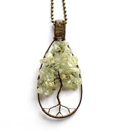 Handmade tree of life pendant with prehnite. Livets träd - Halsband med prehnit