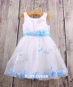 A-line Scoop Tulle Flower Girl Dress With Petal