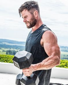 Chris Hemsworth Needs You To Do This Bodyweight Challenge Dark Kingdom, Chris Hemsworth Hair, High And Tight Haircut, Hemsworth Brothers, Look Man, Poses References, Marvel Actors, Charlize Theron, Picture Collection