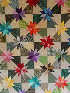 "Hunters Star Die and FREE Quilt Pattern. Add that extra ""Pop"" to your Hunters Star quilt by making the stars from bright colored fabrics! Star Quilt Blocks, Star Quilt Patterns, Star Quilts, Easy Quilts, Quilting Projects, Quilting Designs, Quilting Ideas, Hunters Star Quilt, Black And White Quilts"