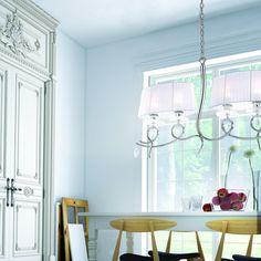 Sie lieben elegantes, extravagantes Design? Dann ist der Mantra Louise Kronleuchter genau das Richtige für Sie!