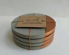 Rose Gold Concrete- Coasters- UK: Home of La Juniper - Dining Cement Art, Concrete Cement, Concrete Crafts, Concrete Projects, Concrete Design, Beton Diy, Diy Coasters, Creation Deco, Handmade Home