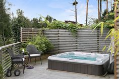 Hot Tub Patio, Hot Tub Garden, Timber Stair, Jacuzzi Outdoor, Outdoor Spaces, Outdoor Decor, Pool Spa, Backyard Makeover, Backyard Fences