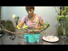 Trabajo floral: Invierno Cálido - YouTube Diy Flowers, Flower Decorations, Paper Flowers, Arte Floral, Ikebana, Floral Arrangements, Centerpieces, Bouquet, Make It Yourself