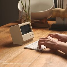 Vintage iPhone Dock Dresses Your Device as a Macintosh Classic - UltraLinx